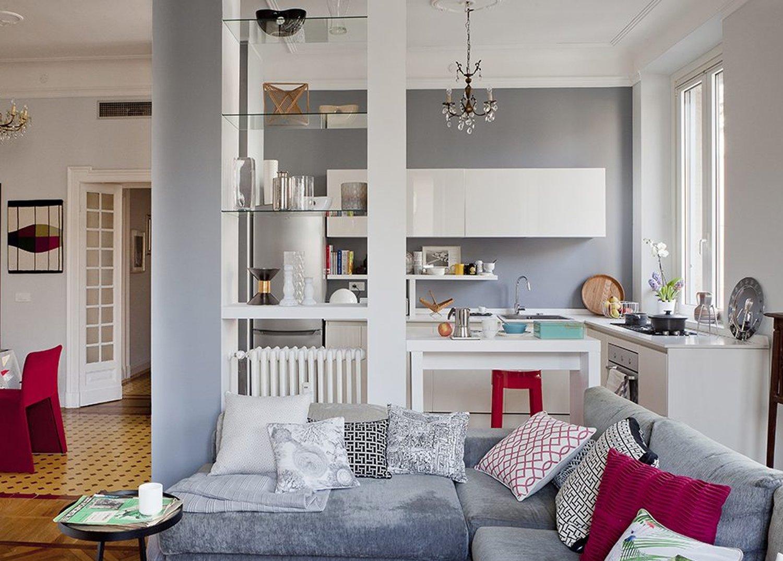Pareti-colorate-per-dividere-cucina-da-living